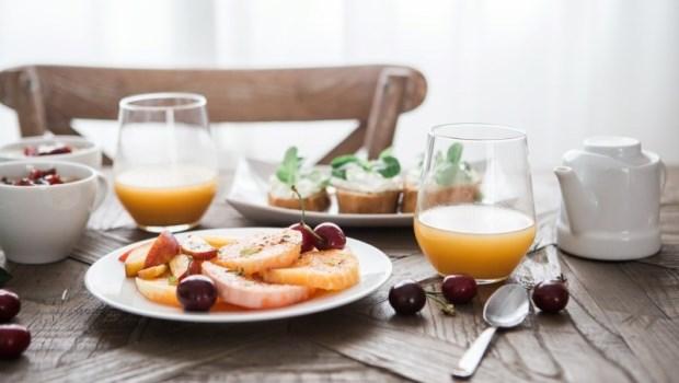 網傳「早餐是最危險的一餐」是真的嗎?別急著戒早餐!專家教你用文獻看可信度