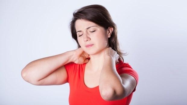 肩膀痛不能只看肩膀!物理治療師教你一個動作檢測平衡力,找出身體疼痛關鍵