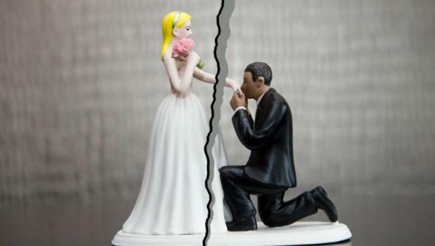 結婚第1年就後悔,50歲才離婚會太遲嗎?心理師建議:選擇「離婚」最好的時機點是...