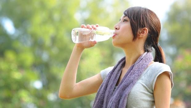 水喝對了,就是百藥之王!4個月甩肉17公斤的台大營養講師:這4個時間喝水,效果更好