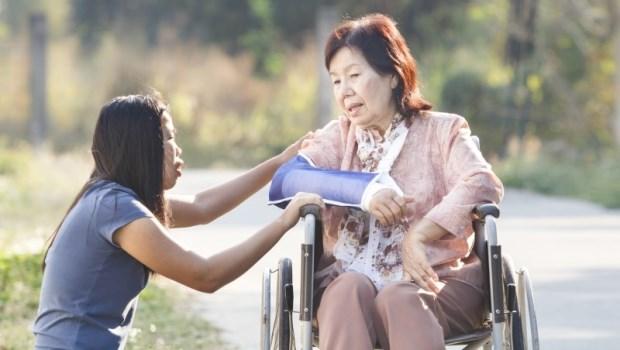家有病老,誰該是照顧者?記住,家庭照顧會議第一原則:不要怕衝突
