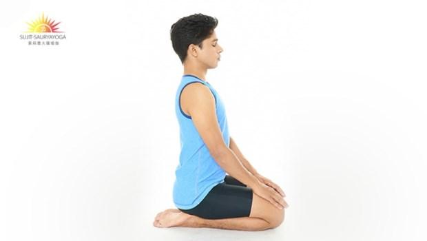 最強腹部燃脂法!必學3招瑜珈:這樣跪著呼吸,就能按摩內臟、讓小腹變平坦