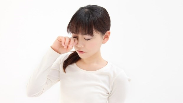 別以為睫毛倒插只是小問題!眼科醫師警告:這種情況恐弱視甚至失明