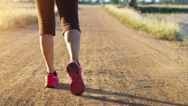 走路可以動到90%的肌肉!德國骨科權威教你:3招用「走路」治療背痛