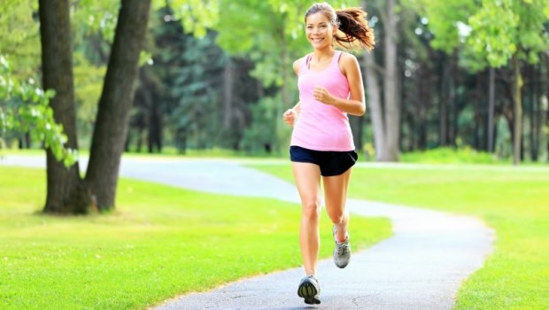 你跑40K馬拉松,胸部也跑了快3K...別讓胸部跑殘了!國際馬拉松冠軍教你挑運動內衣