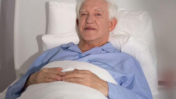 誰說「歐美沒有長期臥床的老人」!精神科醫師:芬蘭、瑞典老人家臥床比台灣還久