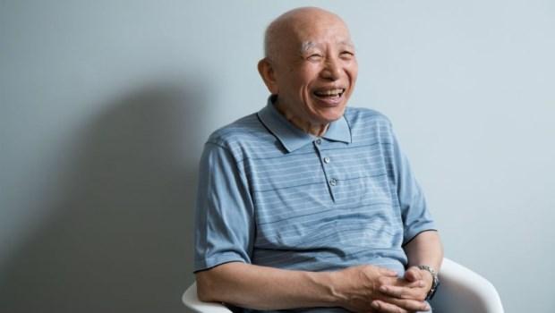 1小時只看1個病人,85歲「糖尿病之父」抱著賠錢的決心開診所:救一個病人,等於救一個家庭