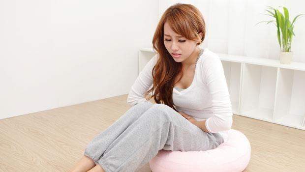 經痛發生時,為什麼止痛藥會越吃越無效?婦產科醫師怎麼說...