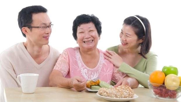 婆婆輪流住3個兒子家,這樣真的好嗎?別變「老年人球」,4大問題不得不面對