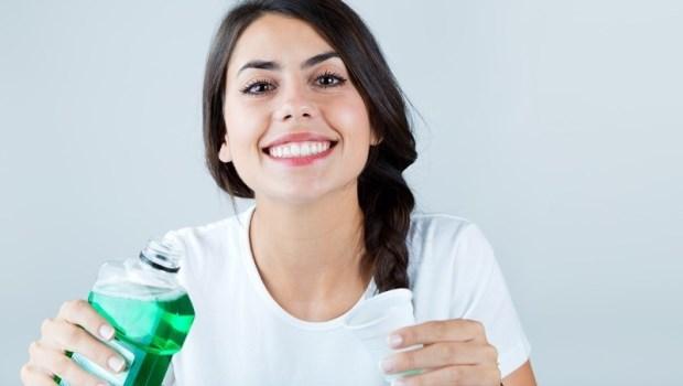我有牙周病,用漱口水有幫助嗎?牙醫師:有,但前提是...