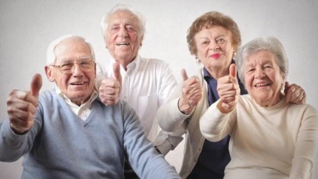 不能跟子女住,不如跟好友住!60歲後,與老友共居的十點評估