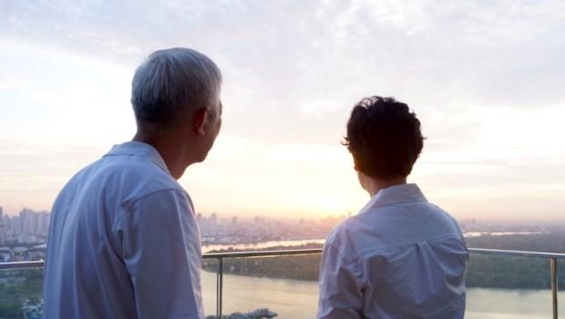 租屋20幾年,女兒一出嫁房東就請他搬...台灣房東不想租老人,不買房真的可以嗎?