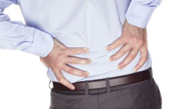 扭到手、閃到腰、常常腰痠背痛...中醫師:一碗「豬尾湯」,改善慢性下背痛!