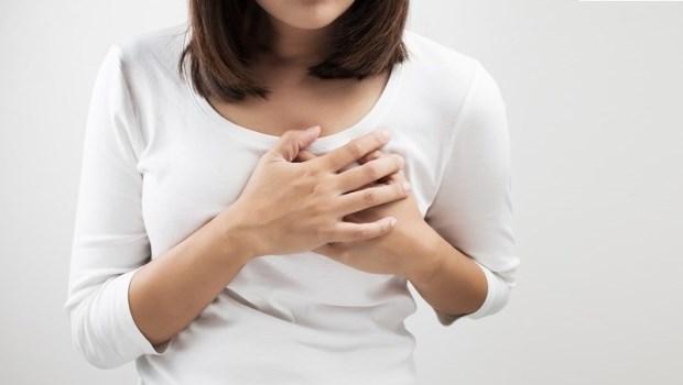 經前胸部都會明顯又脹又痛?荷爾蒙惹的禍,少吃這種食物就能改善