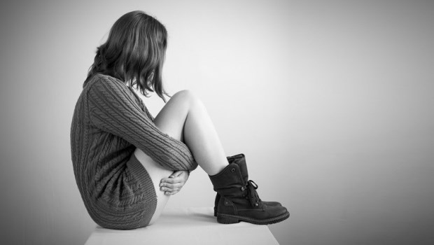 「全校都知道我不是處女...」一個真實故事:長得漂亮、功課好...大家知道她被強暴後,反而是地獄的開始