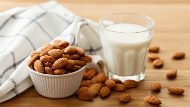 熱潮紅、盜汗、失眠....45歲吃這個,更年期症狀改善40%!長庚營養師大推「3食物」調整內分泌
