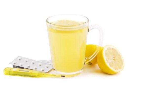 熱熱喝就可以快快好?藥師揭露:「感冒熱飲」廣告沒告訴你的那些事