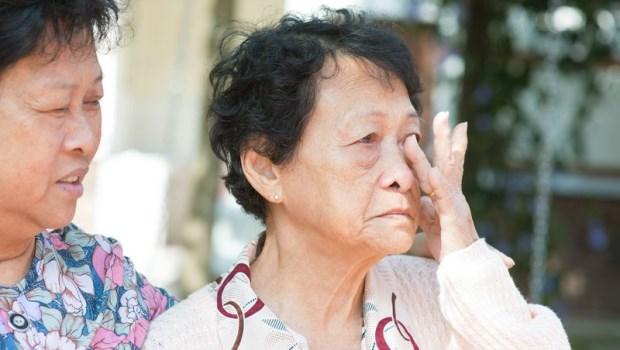「我差點殺了小兒子!」70歲阿婆的憂鬱:墮胎的罪惡感,整整糾纏了50年