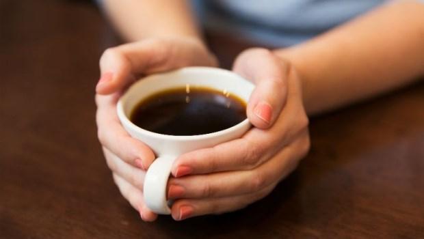 每天4杯咖啡,痛風發作機率降40%!醫師教你9件事,痛風遠離你