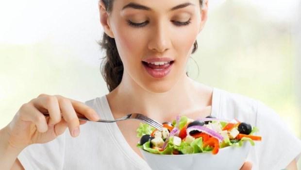 吃生菜比煮過的菜更健康?最新研究:預防心血管死亡,這樣吃最好!