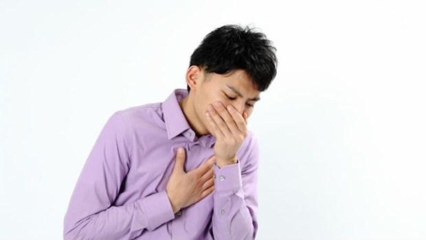 胸悶、喉嚨卡卡...照胃鏡卻很正常?5個指標判斷:你是「胃食道逆流」還是「焦慮症」