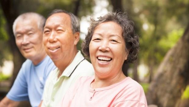 年輕時「朋友」和老後的「朋友」不一樣!心靈輔導師:50歲後,要學會的4件事