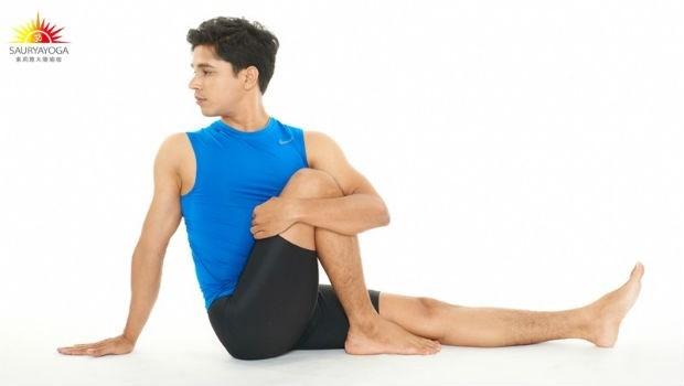 不是坐完月子就沒事了!印度瑜珈大師:產後「6動作」能緩解背痛、強化腹肌,還助瘦身