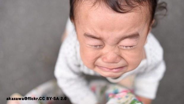 孩子在公共場合哭鬧不休怎麼辦?兒童精神科醫師:別捨不得餐費,這幾種情況就要帶離現場