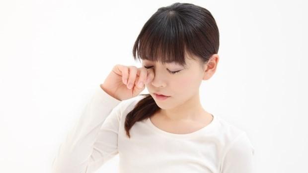 眼壓太高,怎麼辦?中醫師:每天5分鐘按摩「這個穴道」,改善青光眼、降眼壓