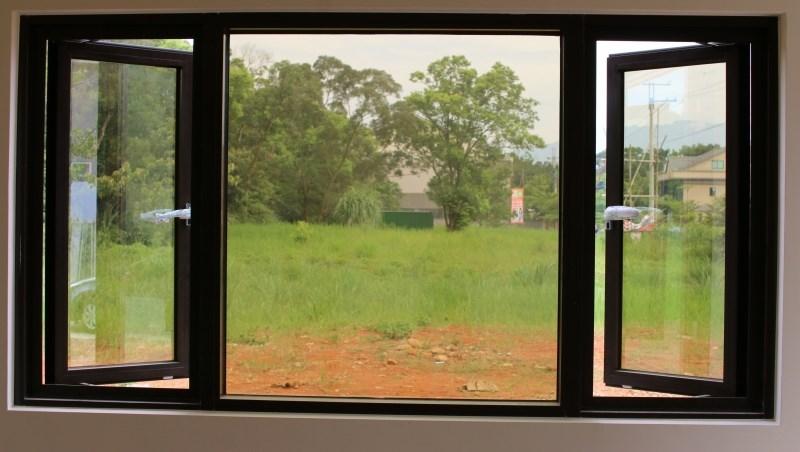 年終大掃除,鋁窗老闆教你:鋁窗、紗窗清潔保養8技巧,預防膠條硬化、紗網破損