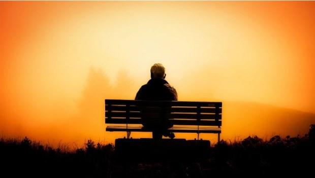 結婚30年,他風流了29年,妻子癌末住院,那晚回到家竟發現...他痛哭爬上床