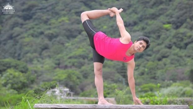 預防骨質疏鬆!印度瑜珈冠軍傳授:3招「強化瑜珈術」增加骨質密度
