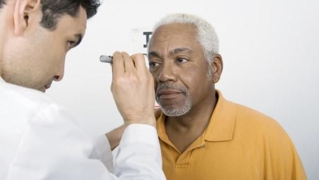 一到晚上視力就變差?小心!嚴重還可能會失明...眼科醫師:「夜盲症」你該知道的那些事