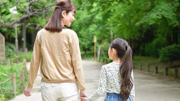 13歲前挨餓、被打、被媽媽當作提款機...一個女兒最深的遺憾:母親的心裡沒有我