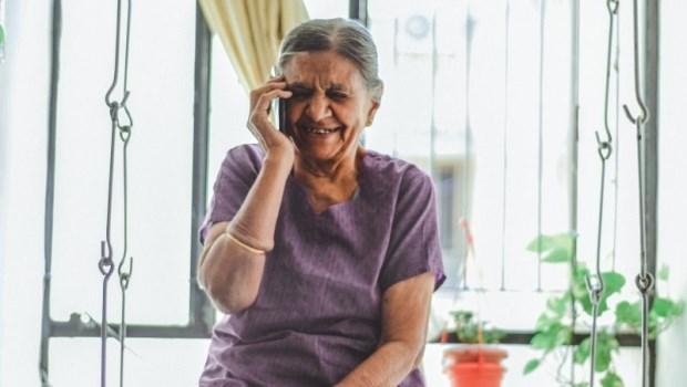 老母親嘴裡重複的那句「你冷不冷?」,我後來才聽懂她說不出口的「我愛你」
