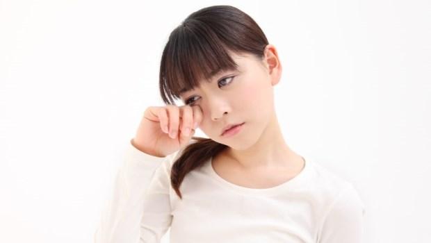眼皮跳不停,是生病了嗎?眼科醫師:最常見的原因是身體缺少這兩種營養