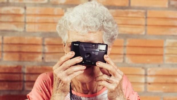 98歲老奶奶說「我還要作夢」,20幾歲你卻直喊「我老了」...人生,要麼熱氣騰騰,要麼死氣沉沉