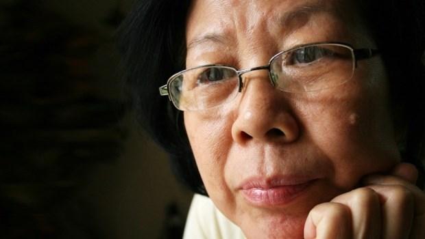 為工作隱忍丈夫外遇,演了大半輩子的婚姻和諧...55歲罹癌讓她驚覺:生命要為自己痛快活著