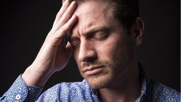 這裡痛、那裡痛,到處看醫生都沒用…精神科醫師:別讓神經放大疼痛,你該這樣做