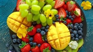 比起健康檢查,更該每天觀察「糞便」!日本管理營養師教你:用「五色飲食法」為身體排毒