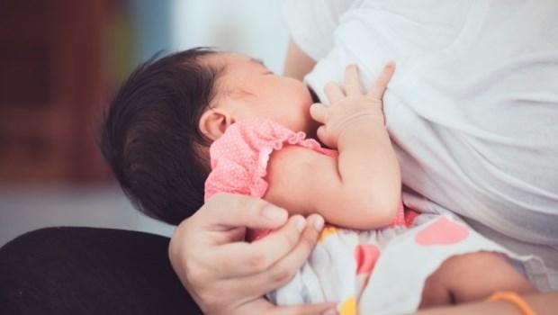 為什麼喝珍奶比吃花生豬腳湯還發奶?泌乳諮詢顧問給媽媽的建議:挑妳喜歡的吃