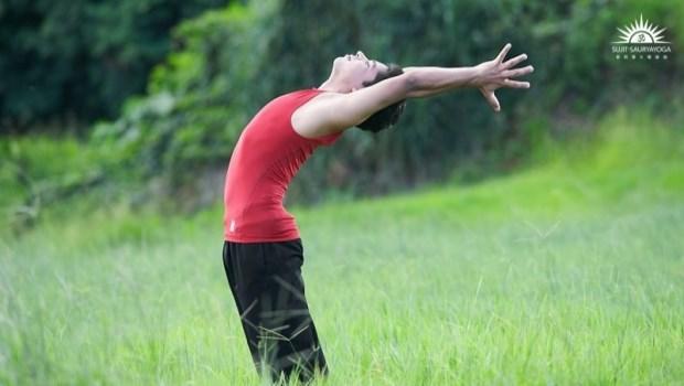 每天起床都好累?印度瑜珈冠軍推薦早上必做:「經典瑜珈術」喚醒睏倦大腦、改善身心失衡