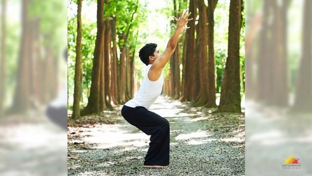 皮膚不好、頭痛頭暈可能都是循環差!印度瑜珈冠軍:「3分鐘瑜珈」放鬆神經跟肌肉,還能救背痛