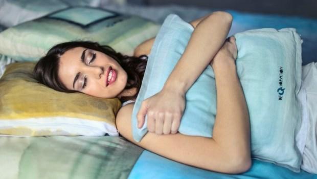 睡眠品質不好,死亡率高又容易失智!日本醫學博士教你4個延緩大腦老化的生活習慣