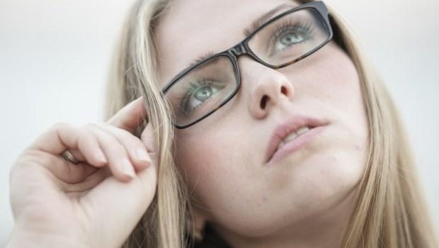 早期沒症狀,一夜之間視力卻可能從1.0退到0.1...眼科醫師:千萬別輕忽這種慢性病