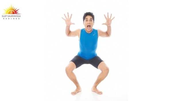 雙下巴可以趴著瘦!印度瑜珈冠軍教你「捧臉」,擊退浮腫、鬆弛和脂肪堆積