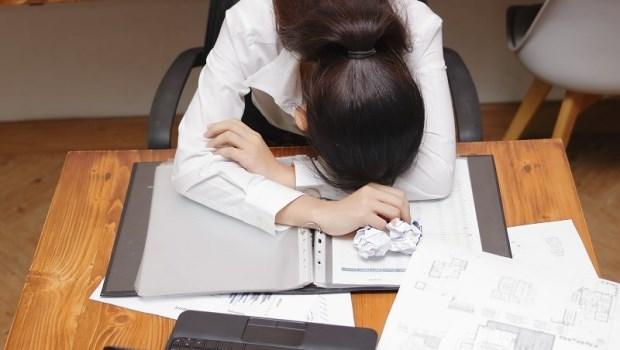 加班、熬夜…吃B群還是很累?營養學博士推薦:優質蛋白質不只能增肌,更是緩解疲勞首選!
