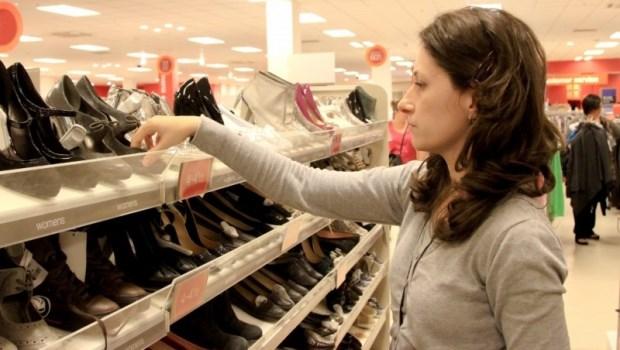 千萬別想著把鞋撐大,就會合腳!足踝專科名醫教你:怎麼挑鞋、襪對腳最好