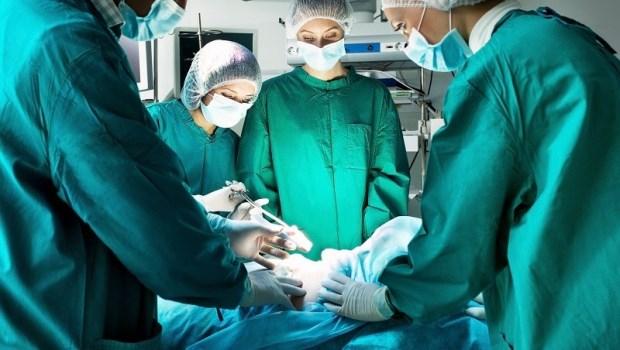 不只命理師,連醫生也這麼說!資深外科主任透露:過年不要動刀或住院
