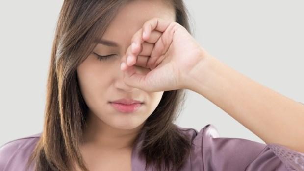 乾眼族要多攝取魚油和亞麻仁油!眼科醫師教你:除了人工淚液,多做4件事遠離乾眼症